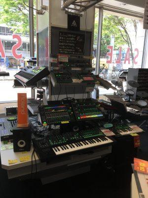 Roland AIRA System-8/TR-8/MX-1 etc.(Questmusic ZAZACity)