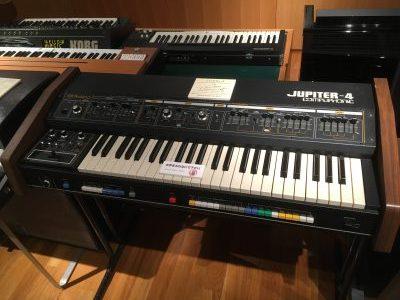 Roland JUPITER-4(浜松市楽器博物館)