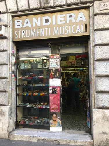 BANDIERA Strumenti Musicali ~イタリア・ローマ