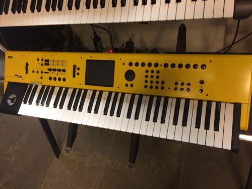 KORG M50(yellow)